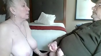momma does like sucking dick